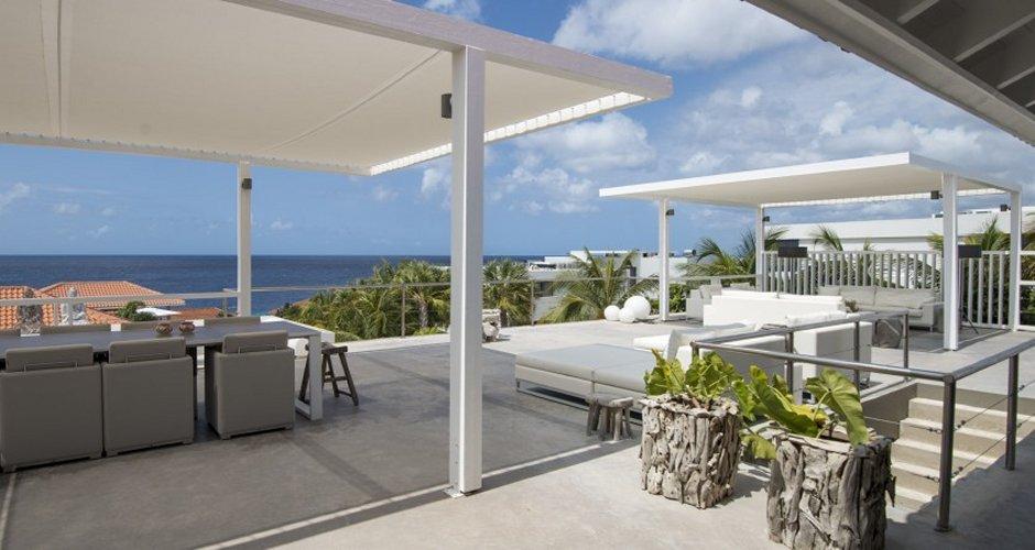 Luxe villa Curacao met uitzicht over zee, uitbreiding terras, IHC architects
