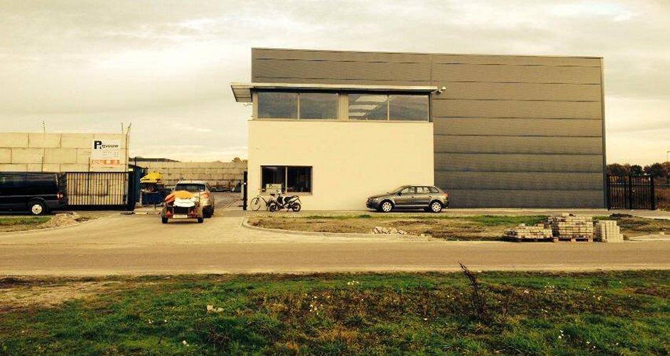 Modern bedrijfspand Rijsouw Recycling door, modern ontwerp IHC architects