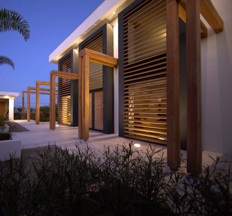Modern villa Brakkeput